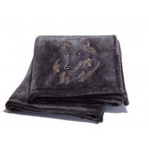 Signature Series Plushera Throw - Gray w/Wolf